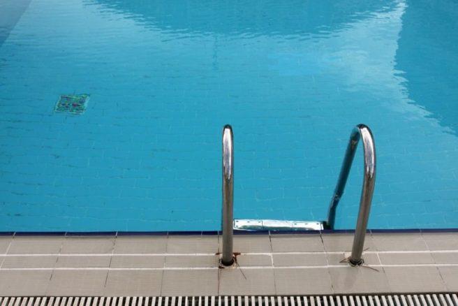 Pool-810x541